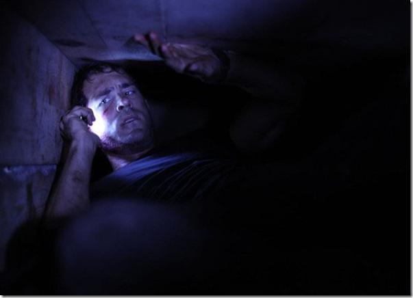 buried-ryan-reynolds-in-coffin_thumb