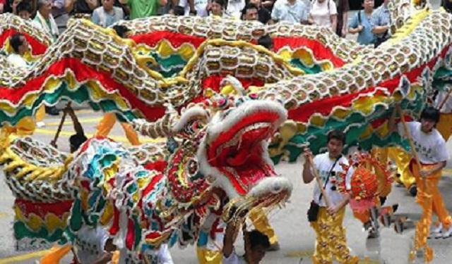 ceremonial-dragon-dance-