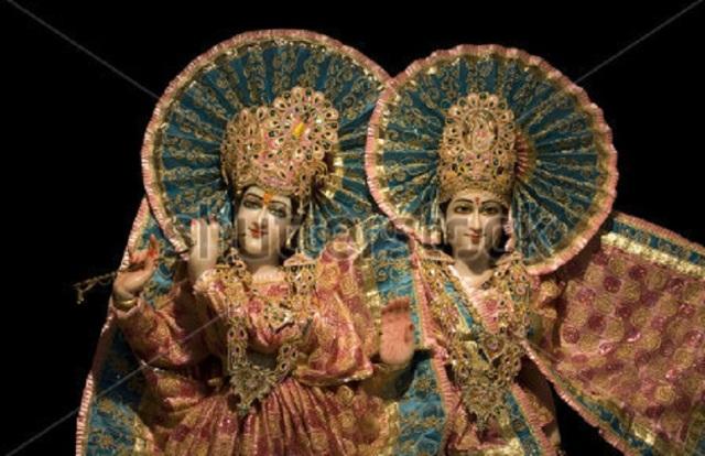 stock-photo-idols-of-lord-krishna-and-radha-29947258