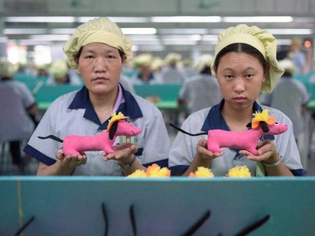 chinese-factory-workers